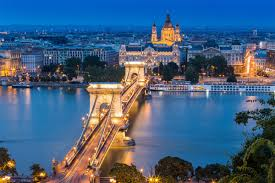 ¡Viaja de Viena a Budapest de día!