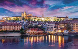 ¿Sabes cómo ir de Viena a Praga? Sube a un cómodo transporte
