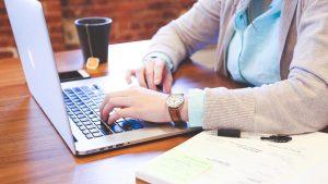 ¿Por qué contratar una Asistente Virtual es la mejor inversión para un Emprendedor?